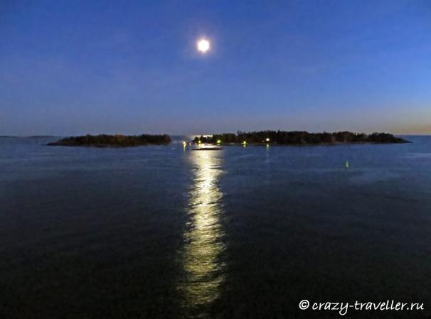 полная луна лунная дорожка Хельсинки Балтийское море