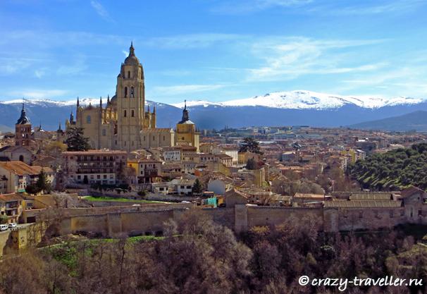 поездка из Мадрида Сеговия: однодневная поездка из Мадрида view from Alcazar
