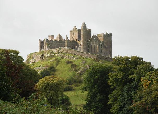 Изучение английского языка в Ирландии Изучение английского языка в Ирландии castle Rock of Cashel